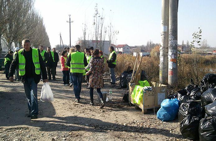 2 ноября 2013 года на оз. Курячьем прошёл субботник памяти украинского эколога и основателя...